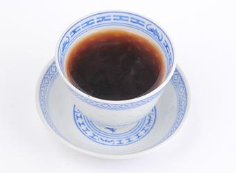 酵素が生きているアルカリ度64度のお茶が健康をサポートします。